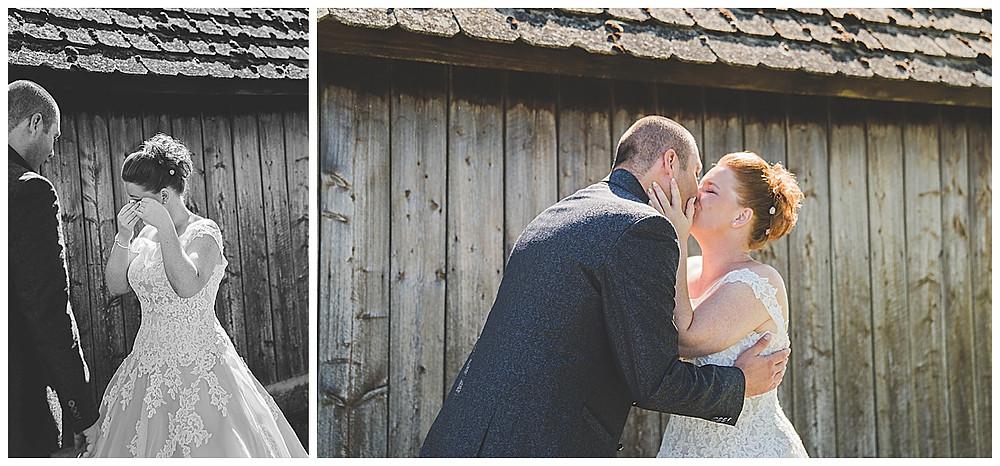 First Look vor Hütte Hochzeitsfotograf Ulm