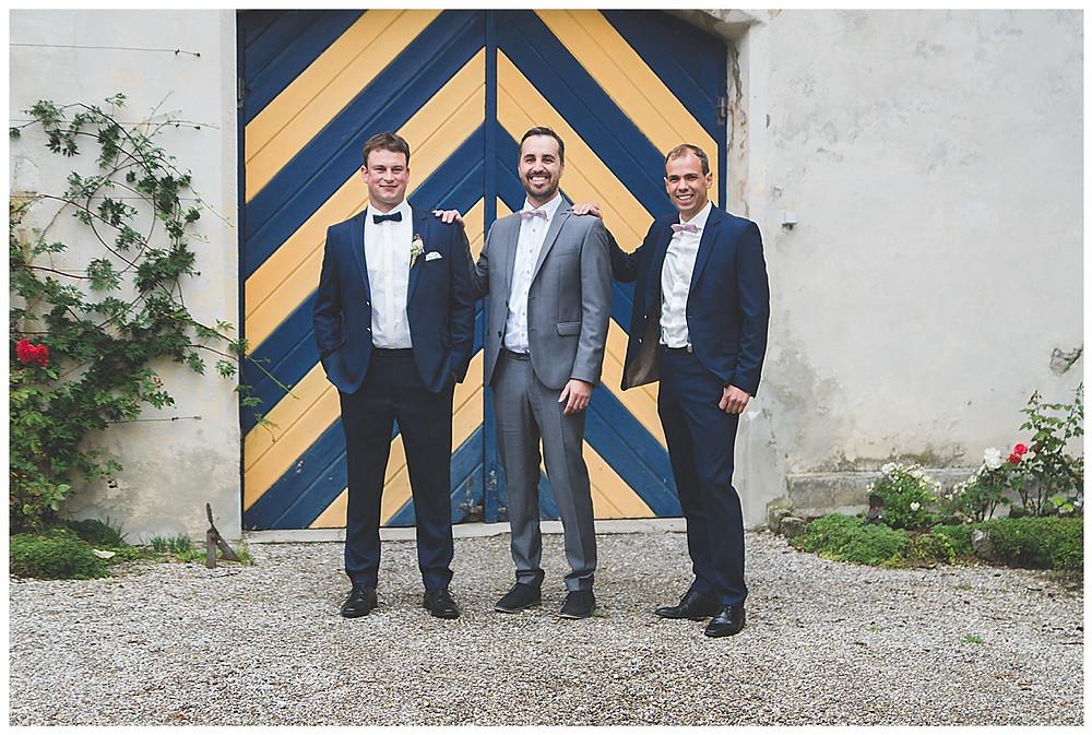 Bräutigam und seine Begleiter