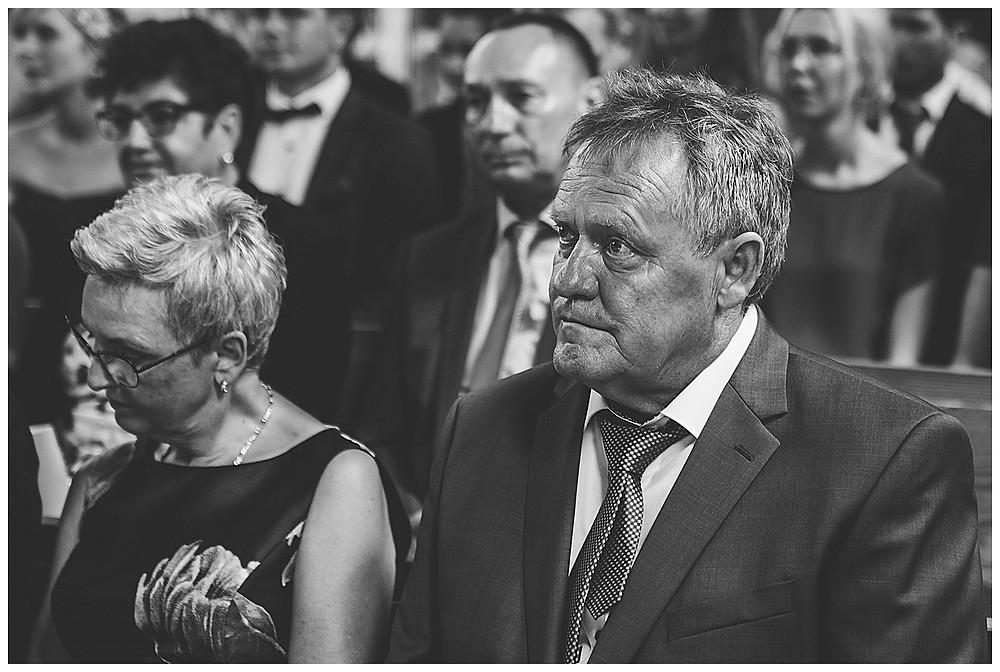 kirchliche Hochzeit Kirche Hürben  Brautpapa weint