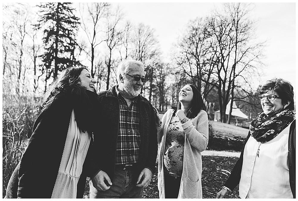 lachende familie in Neu-Ulm