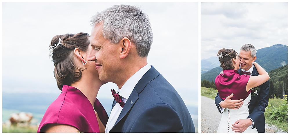 Brautpaarshooting Berghochzeit Tregler Alm umarmend