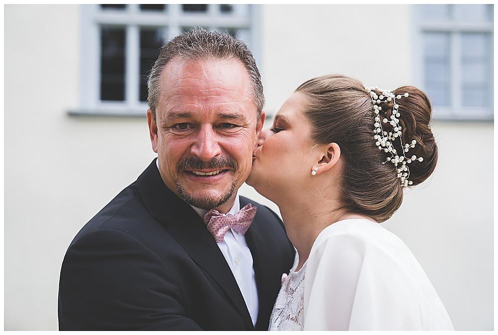 Braut mit Papa Kloster Herbrechtingen