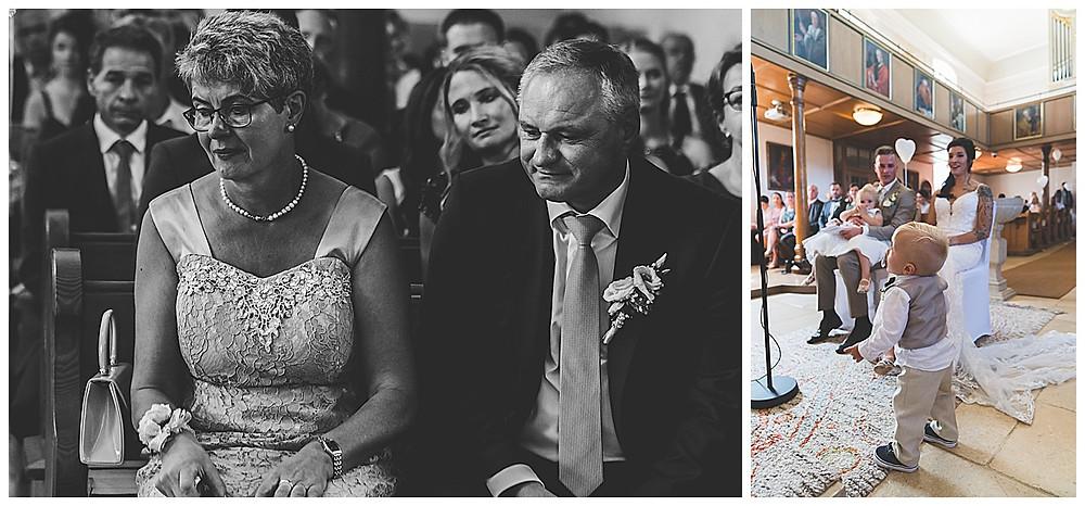 kirchliche Hochzeit in Bolheim Hochzeitsfotograf Heidenheim Gäste weinen