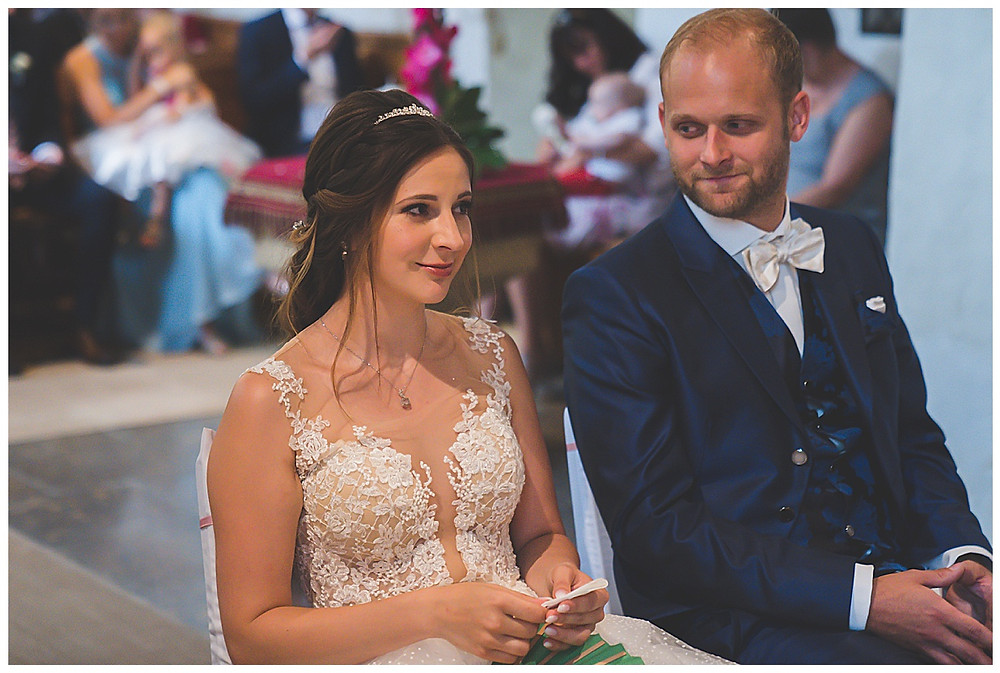 Kirche Scharenstetten Hochzeit  Brautpaar