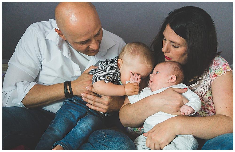 Babyfotograf Augsburg und Bayern dokumentarische Familienfotografie