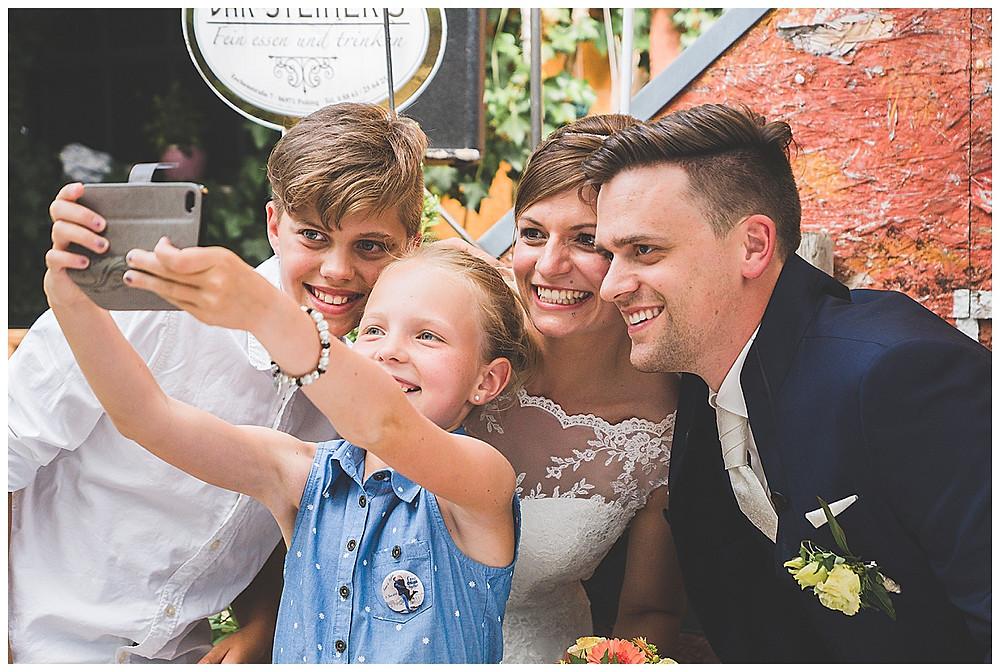 Selfietime bei Hochzeit im Allgäu