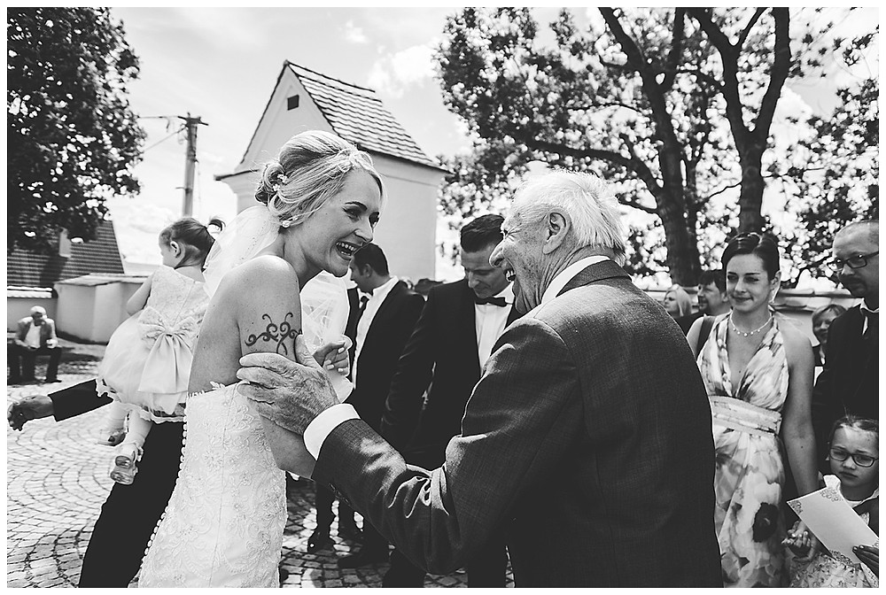 Braut wird gratuliert