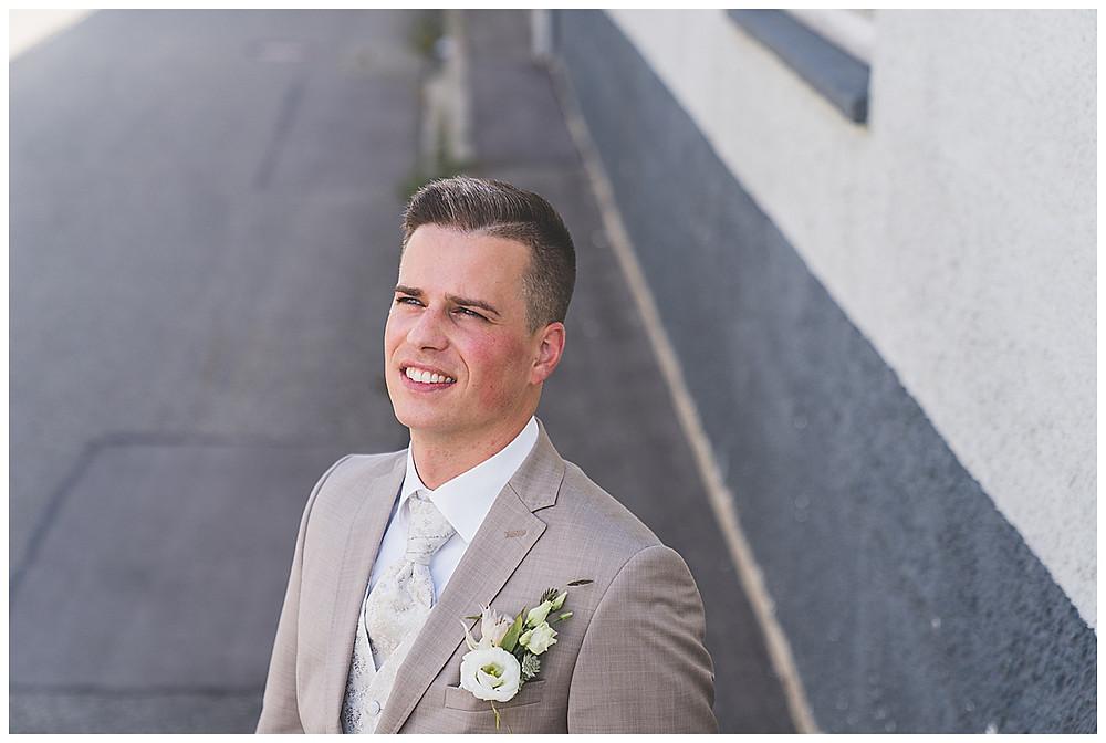 Hochzeitsfotograf Heidenheim  Bräutigam Bolheim