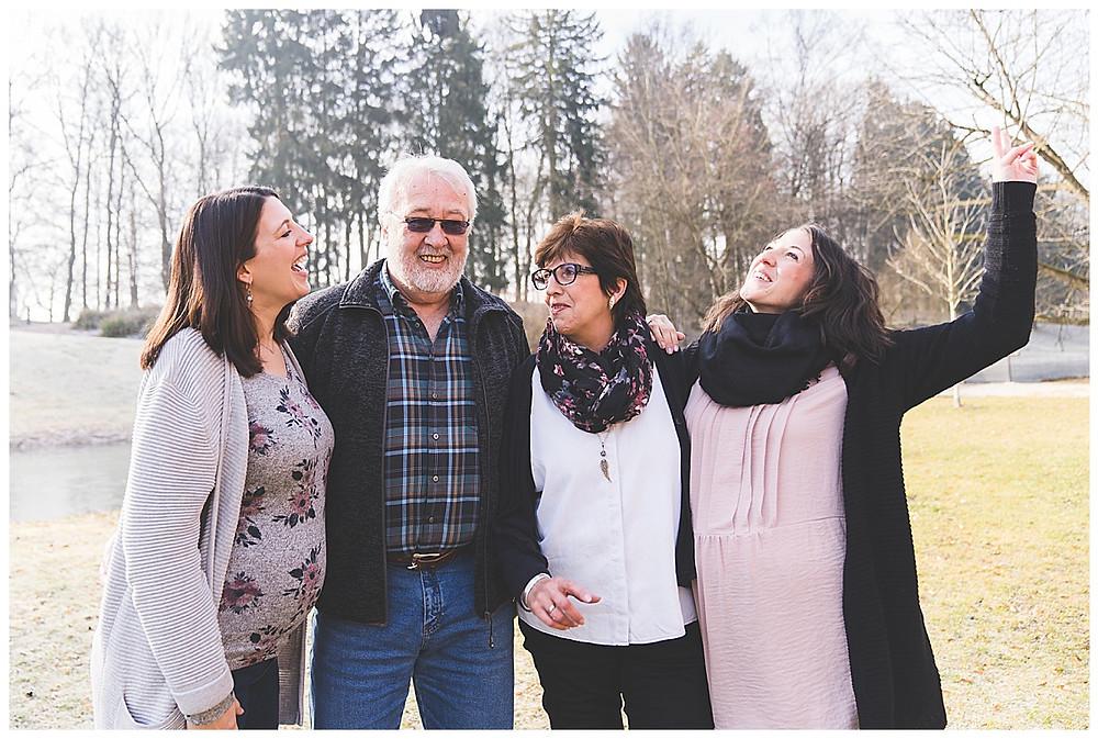 familie in der glacis anläge in neu ulm