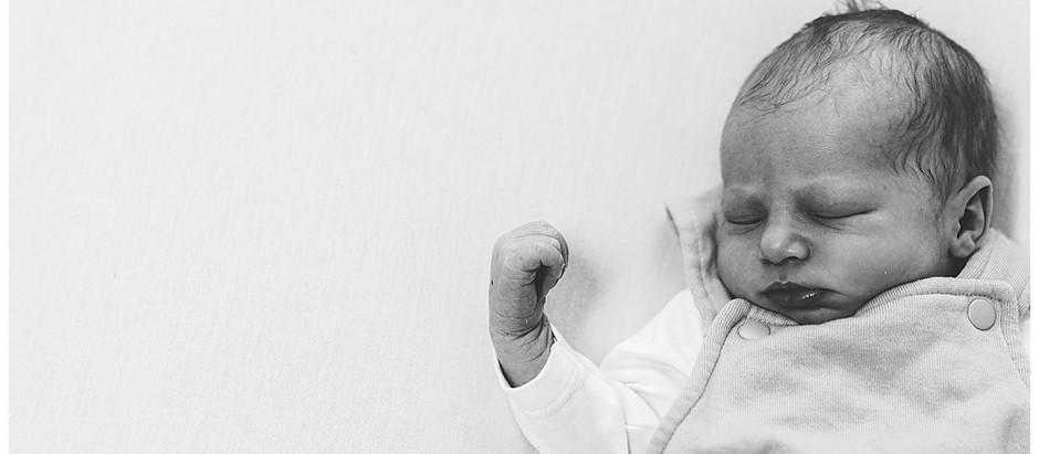 Babyfotografie in Heidenheim - lebendige Babyfotos