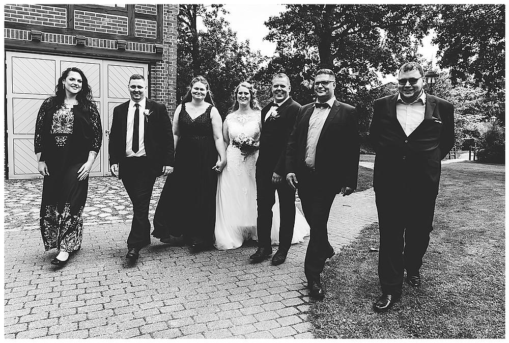 Familienbilder mit Brautpaar in Ammersbek