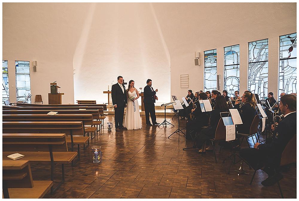 Auszug aus Kirche Hochzeit