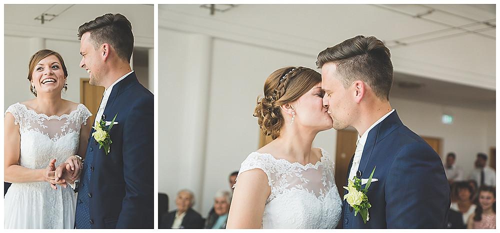 Kuss Brautpaar Standesamt Peiting Hochzeitsfotograf