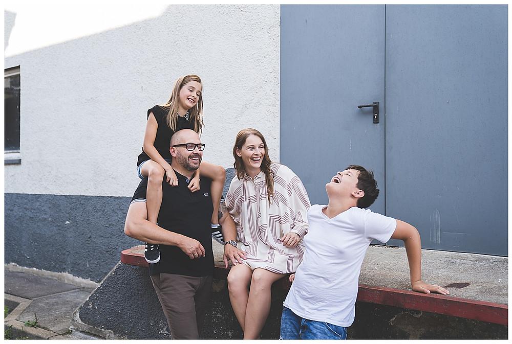 lachende Familie in Heidenheim