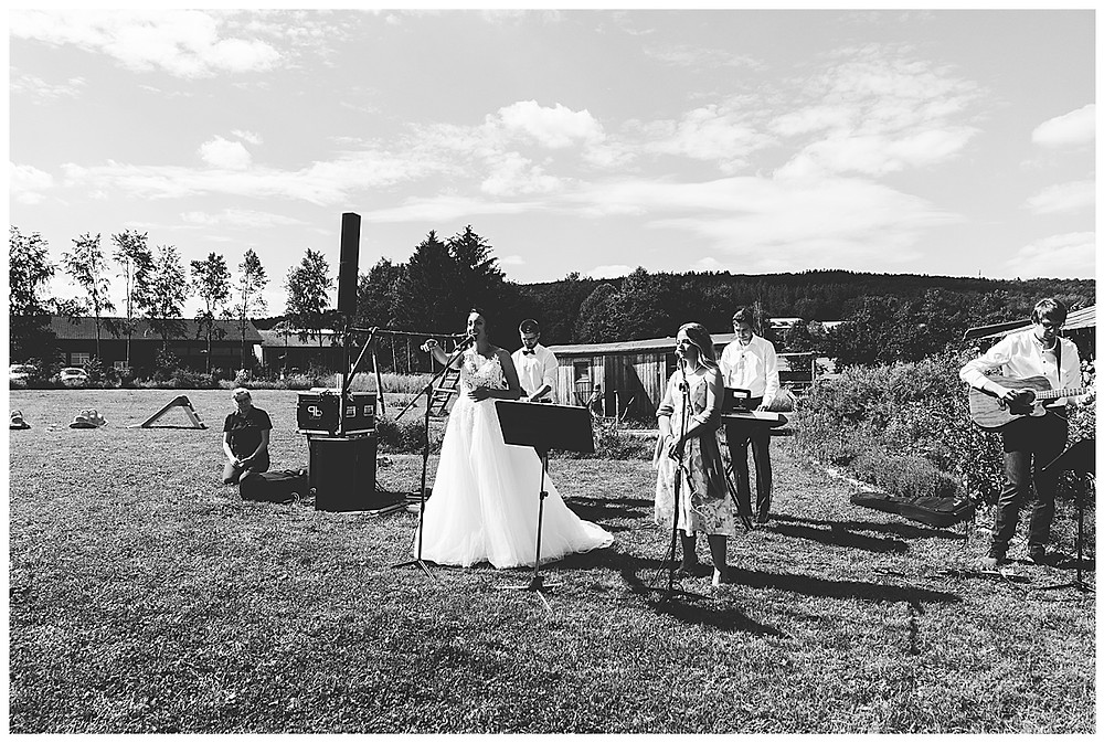 Braut singt für Bräutigam