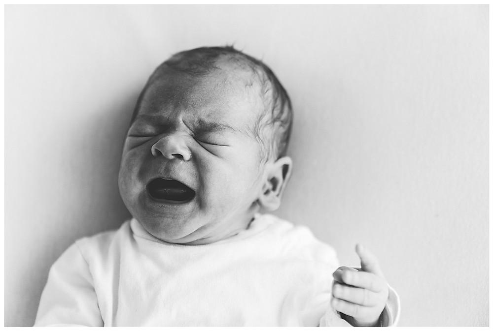 baby bei babyshooting im Fotostudio