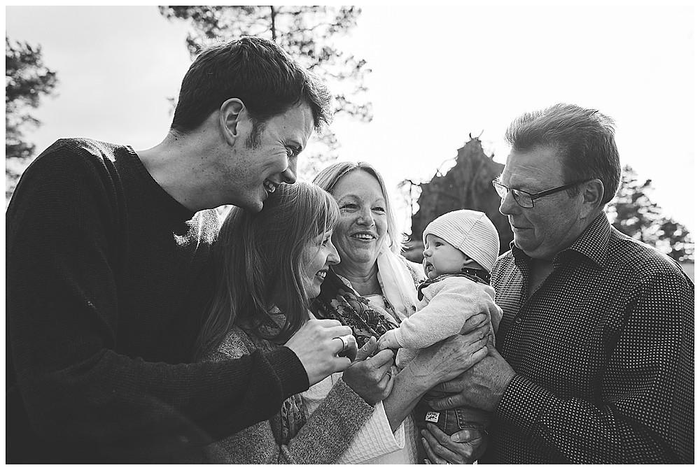 familienfotos im felsenmeer mit den Großeltern