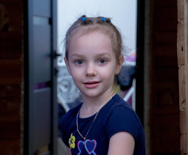 Девочка улыбается фото