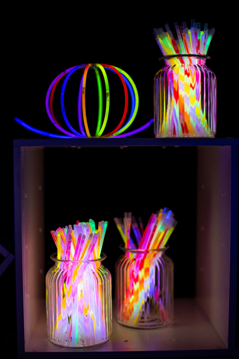 glow-sticks-party-marquee-planner