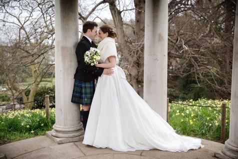 BySophieAmor-KewGardens-bride-groom
