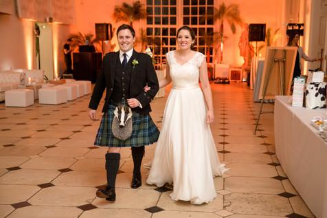 BySophieamor-KewGarden-weddingentrance