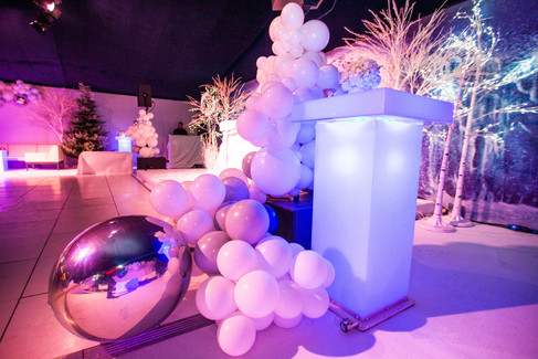 Game-of-thrones-marquee-party-balloons