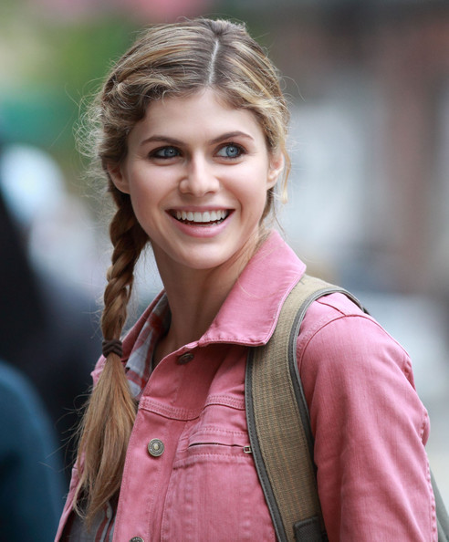 4/23/17, Collider, Alexandra Daddario Talks TEXAS CHAINSAW 3D, What Attracted Her to the Project, Preparing for the Role, PERCY JACKSON: SEA OF MONSTERS, and More