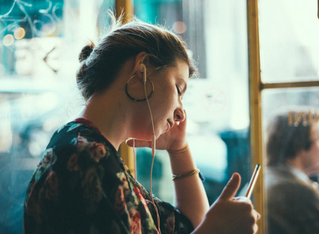 12 Songs Perfect for Reading Playlist