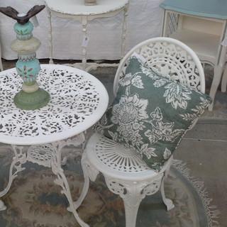 Vintage Patio & Garden Furniture