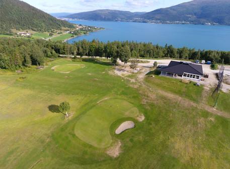 Åpning av golfbanen!