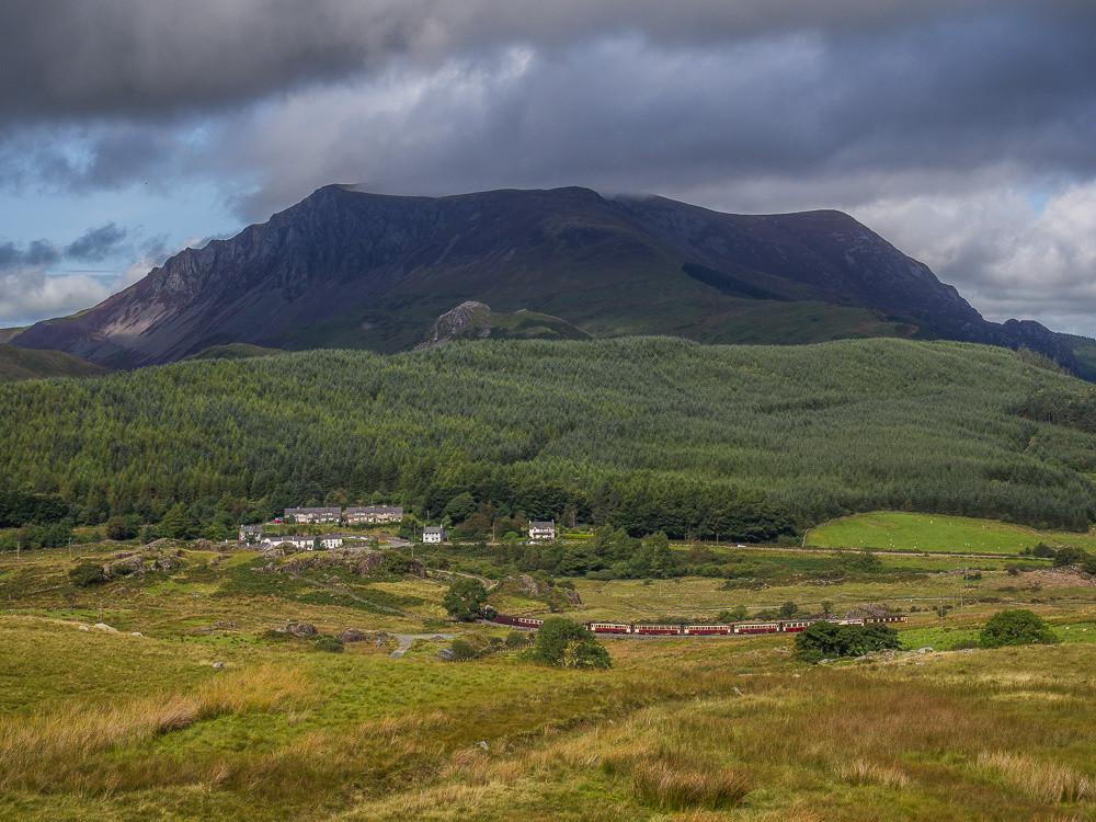Mynydd Mawr above Rhyd Ddu