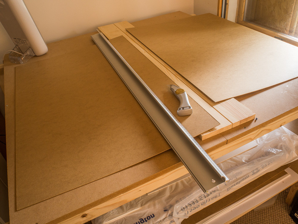 Keencut Safety Edge with just-cut sheet of 2mm MDF framing board