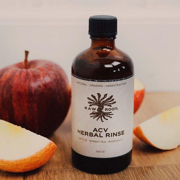 Grondig reinigen van je dreadlocks met biologische appelazijn