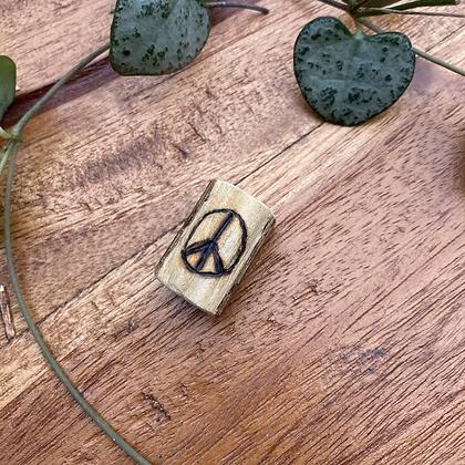 Dreadlock kraal gegraveerd Peace