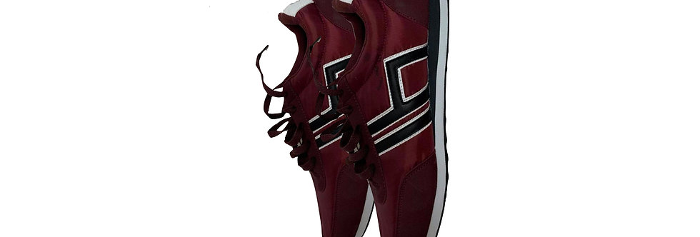 House Live & Loud Maroon Sneakers P45
