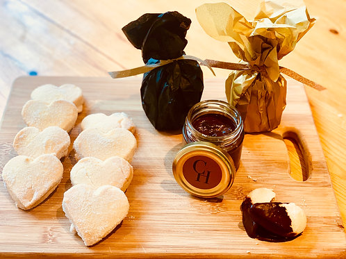 Vegan Shortbread & Chocolate Sauce