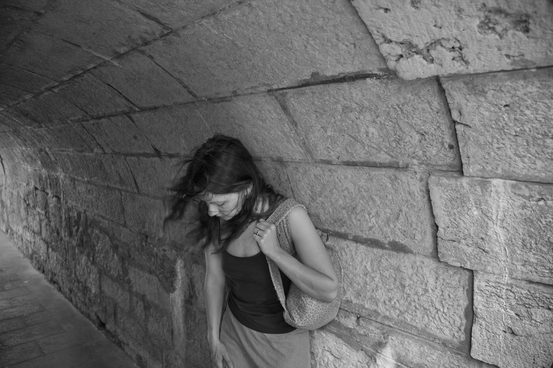 Alison in Tunnel Cas Cais Portugal 2010