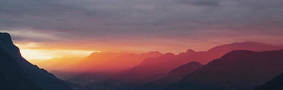 sunset-918555_1920.jpg