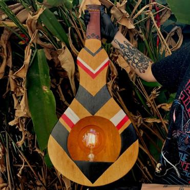 Artista cuiabana lança exposição virtual e inova com 'viola de cocho ecológica'