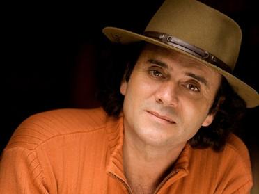Almir Sater faz show beneficente em Cuiabá em outubro para a Associação MTmamma