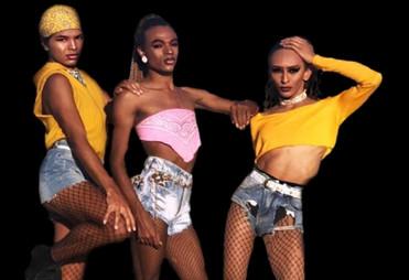 Elenco da Zumzum faz show baseado nas Divas dos anos 70 no 'Festival Cultura em Casa'