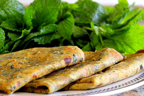 Pudina Paratha with Curd & Butter