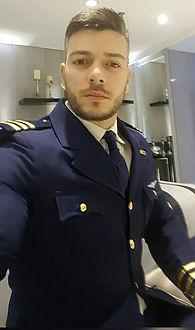 Thiago_-_piloto_de_avião.jpg