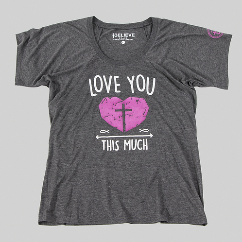 LOVE YOU THIS MUCH GRAPHIC TEE