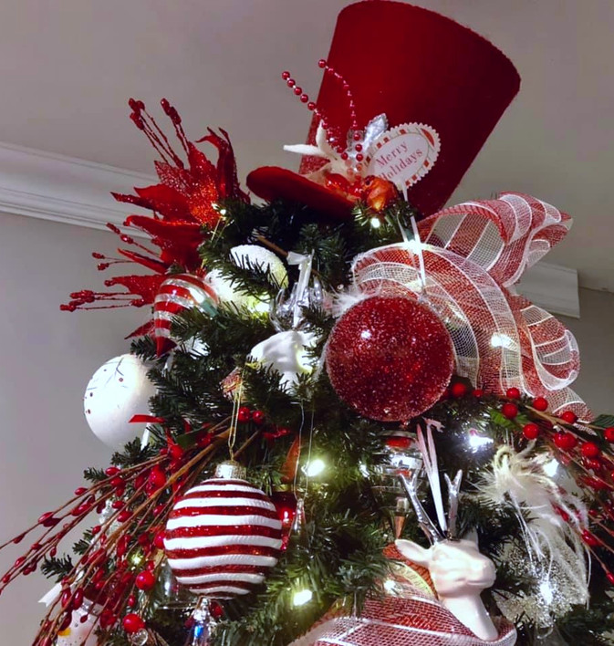 Red%20and%20White-%20Tree%20Topper_edite