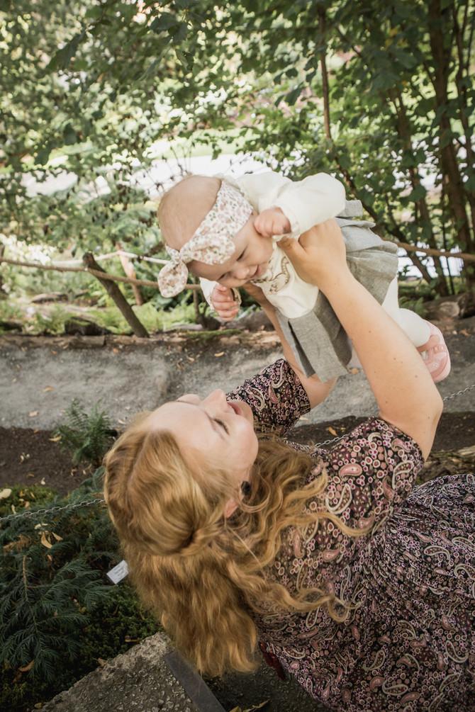 Sünnituse käivitamiseks vaatas noor pere stand-up komöödiaid