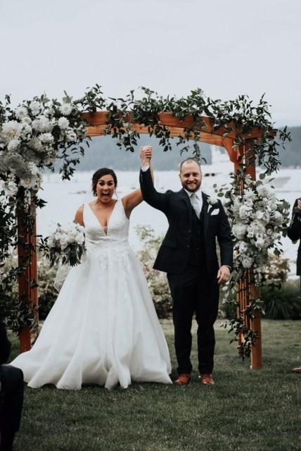 Alderbrook lodge arch wedding flowers
