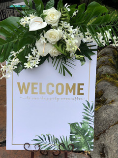 welcome sign wedding day.jpg