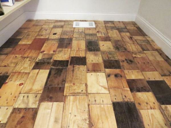 1001pallets.com-pallet-wood-floor-redo-4-600x450