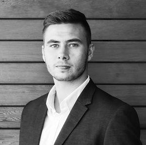Marek_Netáhlo_profilovka_edited_vyssi_e